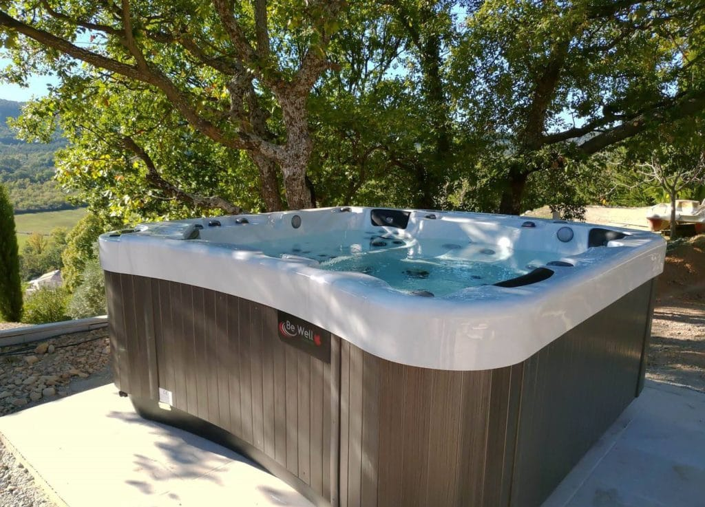 Rev'exterieur Luxembourg Howald Be well canada spa Jacuzzi hottub whirpool spa serie executive