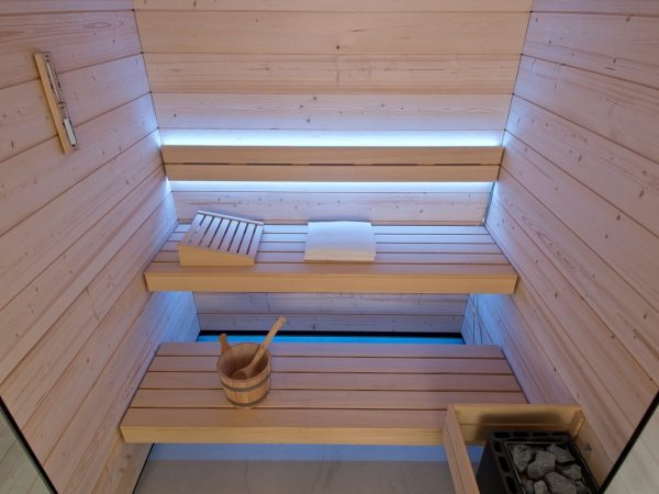 sauna finlandais chromothérapie
