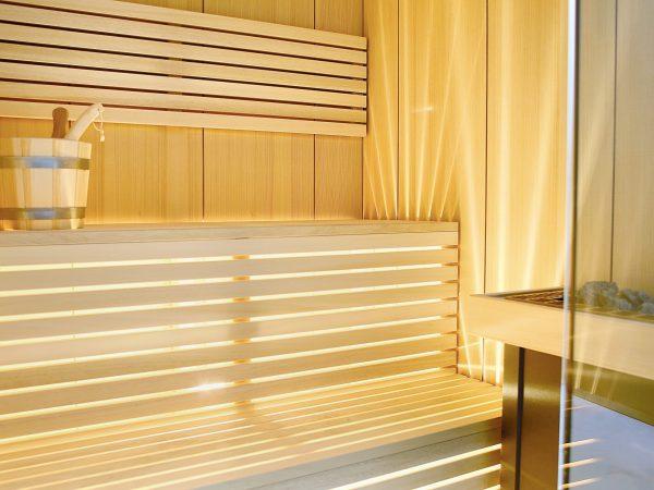 sauna en bois clair design
